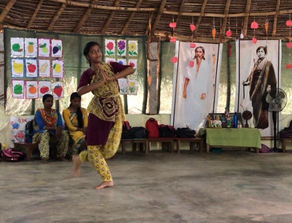 Mohanam dancing